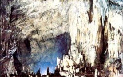 洞窟の世界
